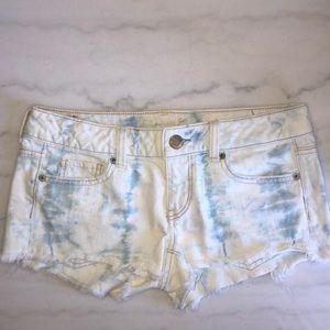 AMERICAN EAGLE || tie dye denim shorts